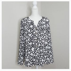 Croft and Barrow Black and White Heart Blouse